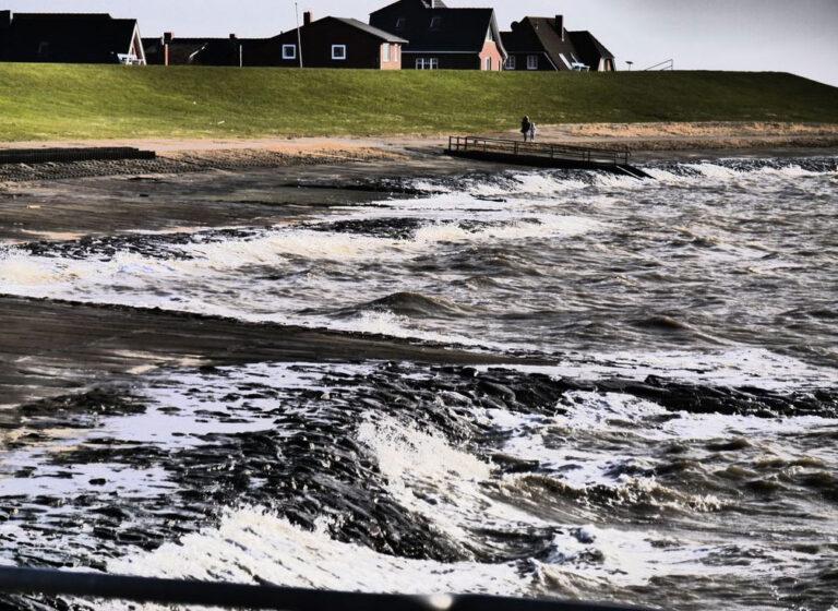 Deichschau prüft den Küstenschutz vor den Sturmfluten im Winter