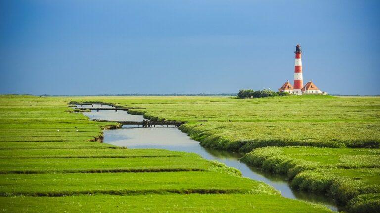 83 Säulen informieren an der Westküste über das Weltnaturerbe Wattenmeer