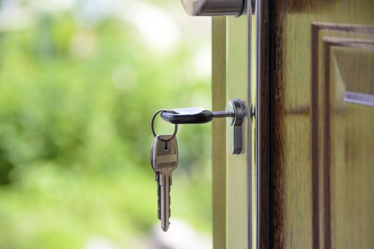 Mietnomaden, der Alptraum des Vermieters – wie wird bei einer Wohnungsräumung vorgegangen?